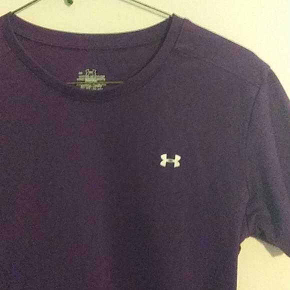 Large women's under armour t shirt purple